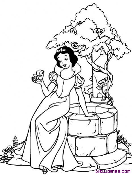 Blancanieves Con Un Pajarito Sentada En Un Pozo