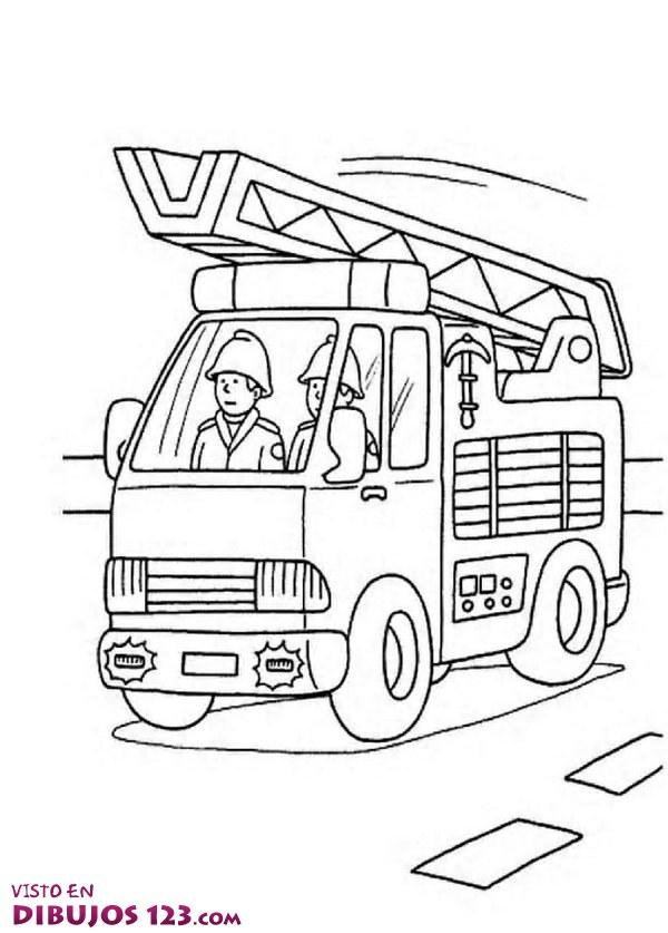 El coche de bomberos por la ciudad