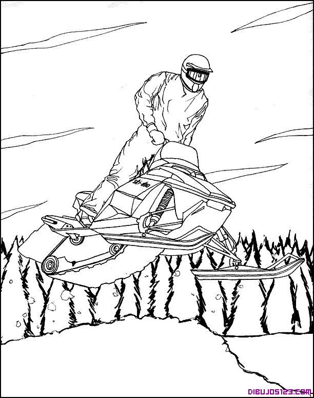 Espectacular salto con moto de nieve