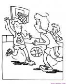 Emocionante partido de baloncesto