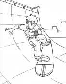 Dibujos para colorear de Ben 10 en monopatin